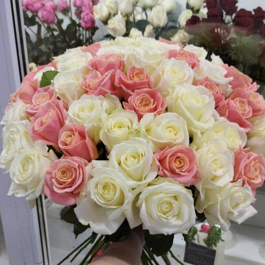 Delicate bouquet of roses on the Crimean