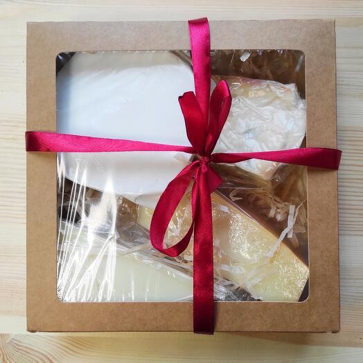 Подарочный набор элитных сыров номер 4