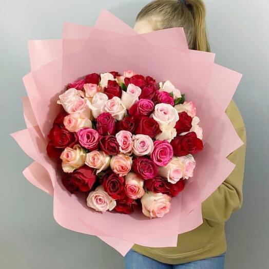 51 роза Кения в упаковке