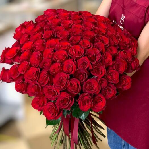 101 Красная высокая роза