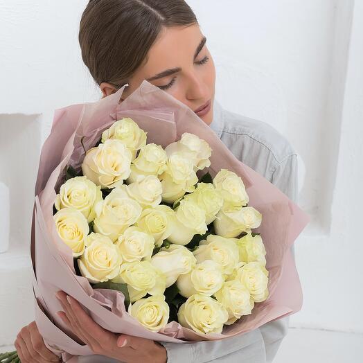 Букет из 25 белых роз Эквадор 60см