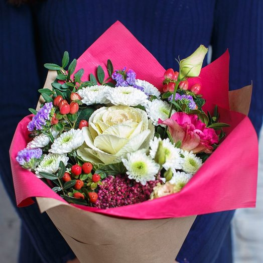 Букет из брассики хризантем хиперикума: букеты цветов на заказ Flowwow