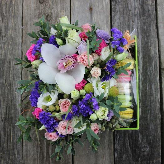 Коробочка Сара: букеты цветов на заказ Flowwow