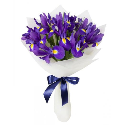Недорогой букет из 15 ирисов: букеты цветов на заказ Flowwow