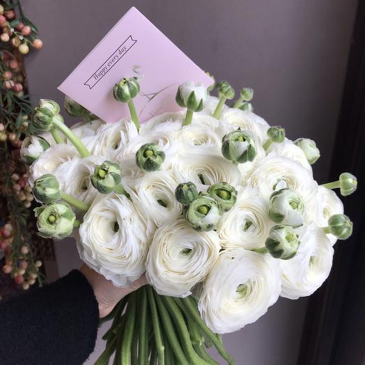 Букет из 30 ранункулусов: букеты цветов на заказ Flowwow