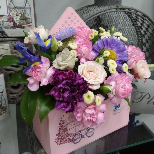 Композиция в ящике с астрами: букеты цветов на заказ Flowwow