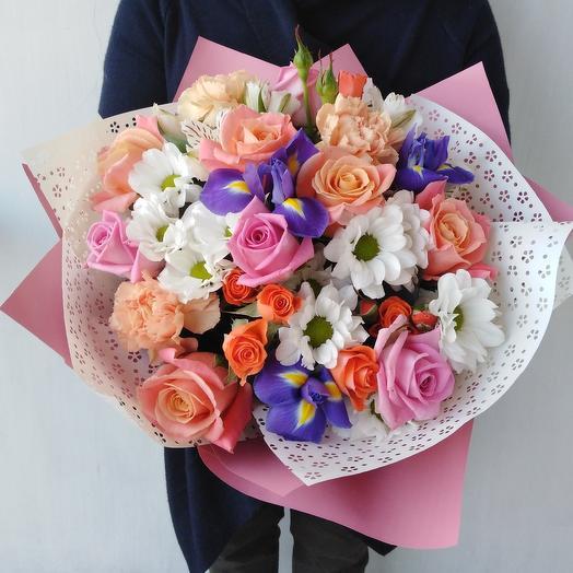 Милый букет из роз и ирисов: букеты цветов на заказ Flowwow