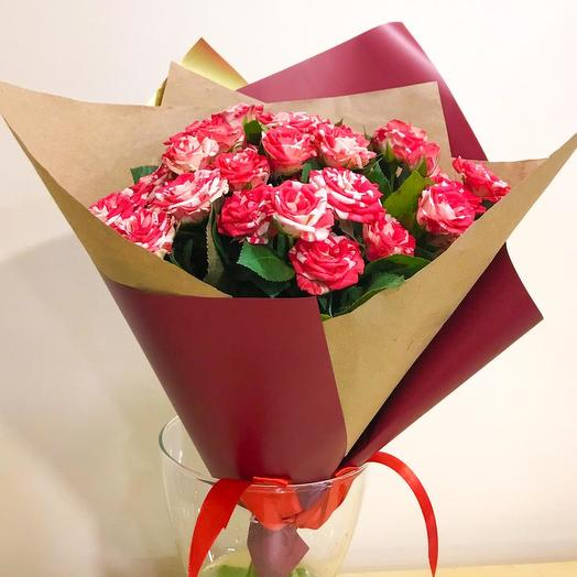 Кустовые розы букет
