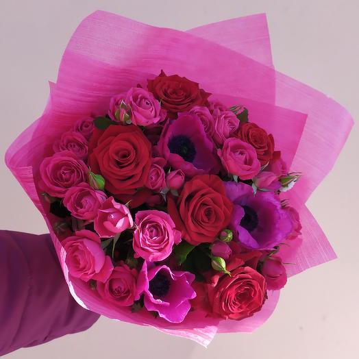 Букет из роз и анемонов