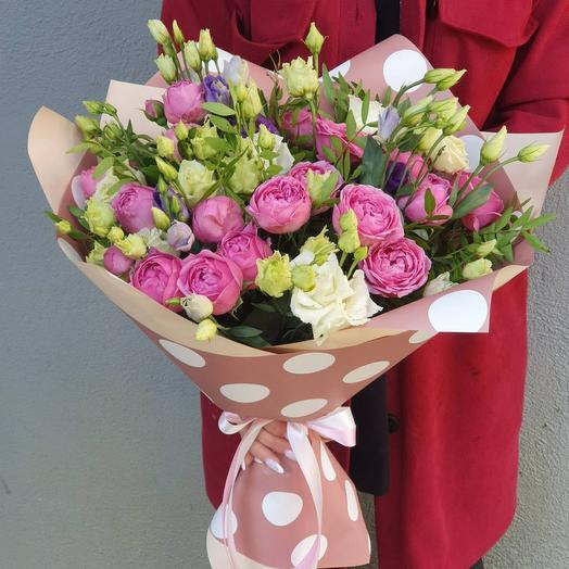 Букет из эустом и пионовидных роз