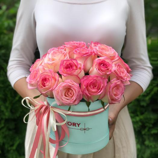 21 роза Джумилия в коробке