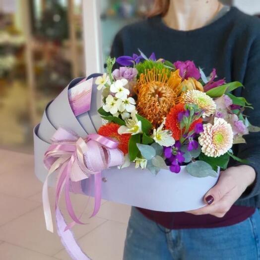 Цветы в коробке на выписку