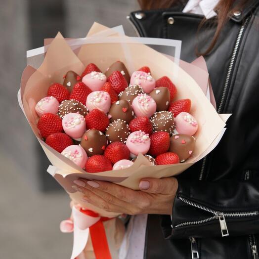Букет из ягод «Сладкая любовь»