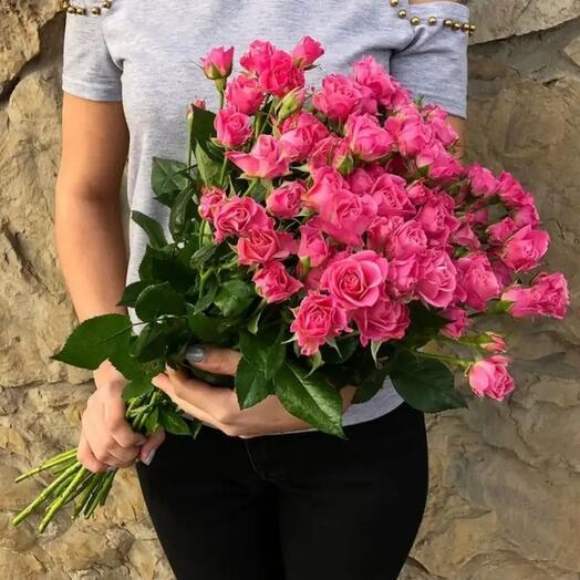9 высоких кустовых роз