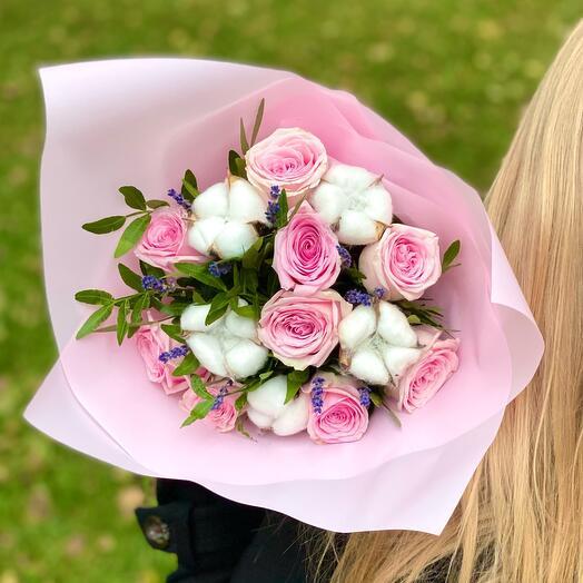 Букет из 9 роз с хлопком