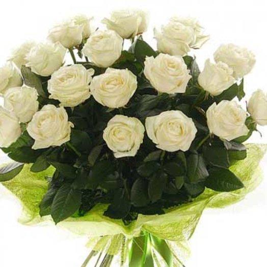 Букет из 21 белых роз
