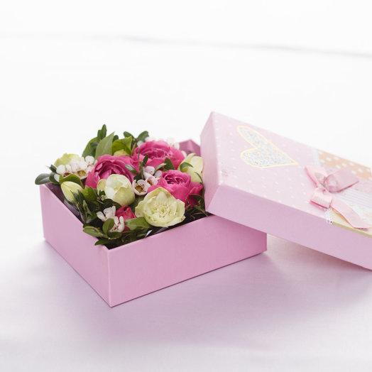 Минибокс с розовыми розами