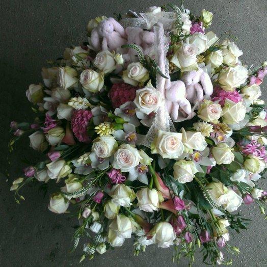 Корзина зайки: букеты цветов на заказ Flowwow