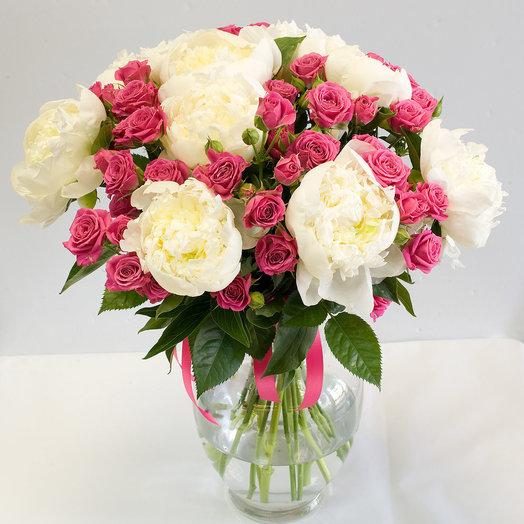 Букет из роз и пионов Розовая карамель