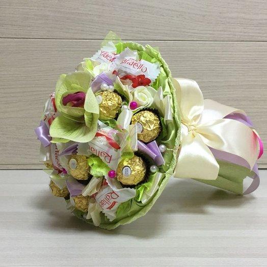 Букет из Ферреро Роше и Рафаэлло KF-15 : букеты цветов на заказ Flowwow