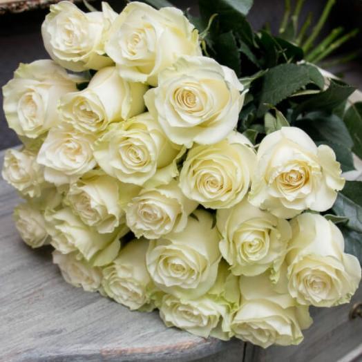 Букет из 21 белой голландской розы 60 см: букеты цветов на заказ Flowwow