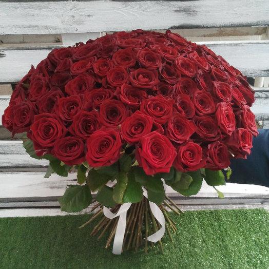 101 Красная роза: букеты цветов на заказ Flowwow