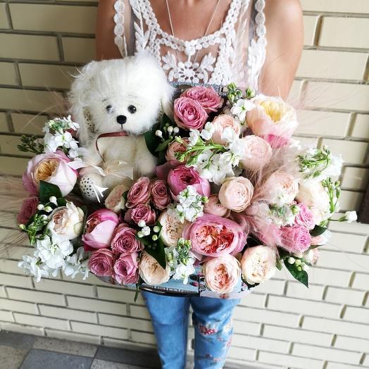 Пушистый сундучок: букеты цветов на заказ Flowwow