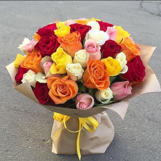 Яркий букет микс из розочек: букеты цветов на заказ Flowwow