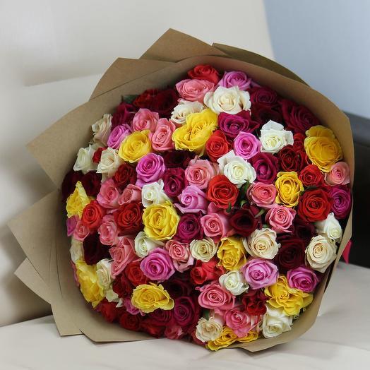 101 роза 40 см микс в крафте: букеты цветов на заказ Flowwow