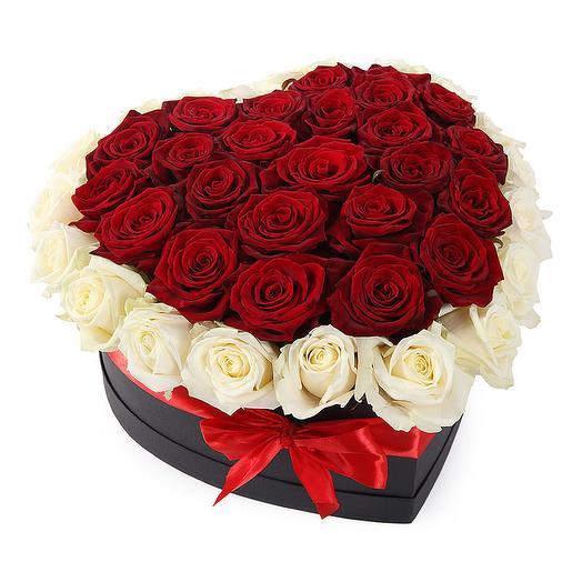 Букет из роз в форме сердца Красное сердце