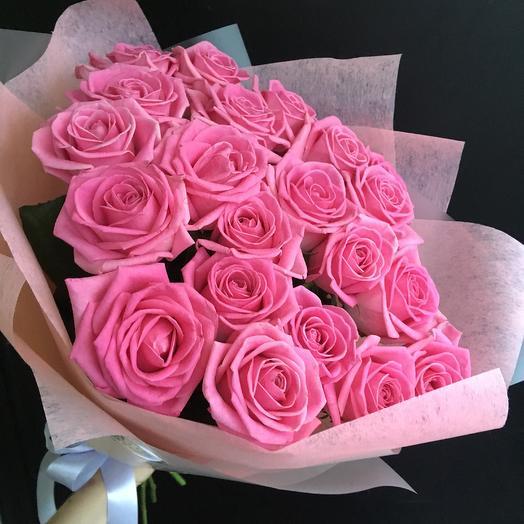 Букет из шикарных розовых роз: букеты цветов на заказ Flowwow
