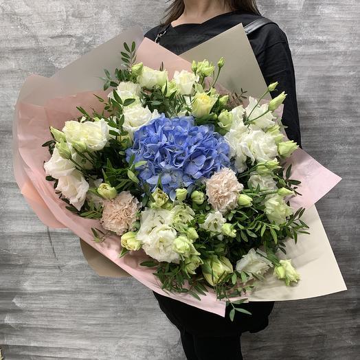 Нежный букет с гортензией и тюльпанами: букеты цветов на заказ Flowwow