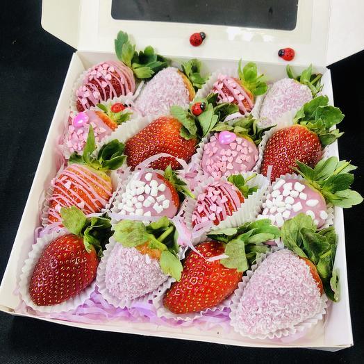 Клубника коробка II: букеты цветов на заказ Flowwow