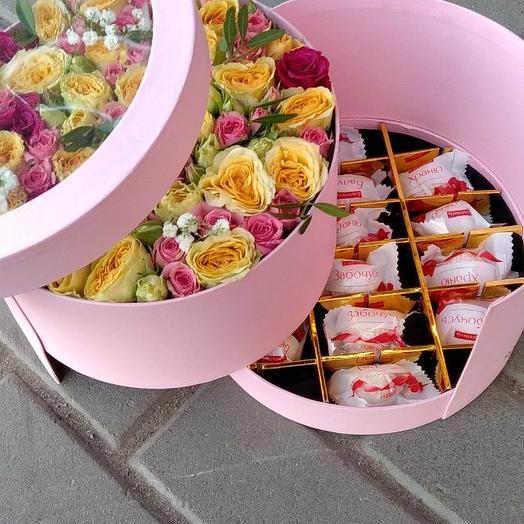 Коробка с розами и конфетами