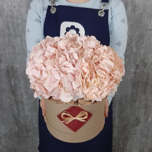 Персиковые гортензии: букеты цветов на заказ Flowwow