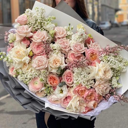 Букет цветов «Пробуждение чувств»
