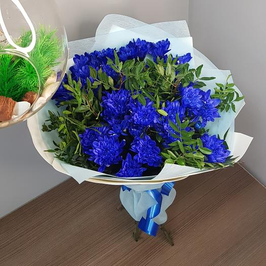 Букет из синих хризантем