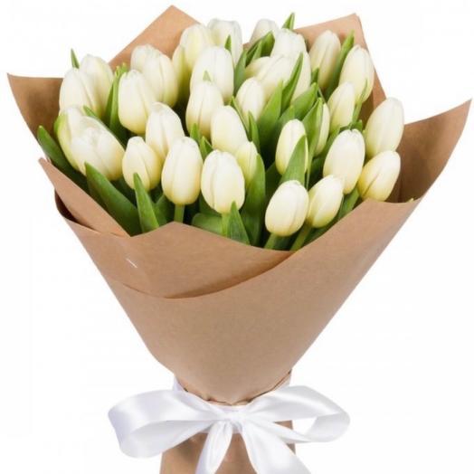 25 белых тюльпана