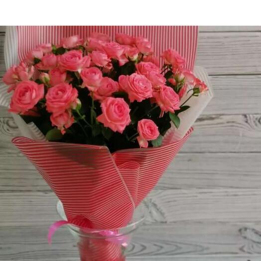 Букет из семи веточек роз