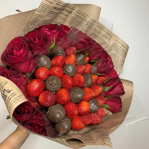 Клубничный букет «Наша любовь»
