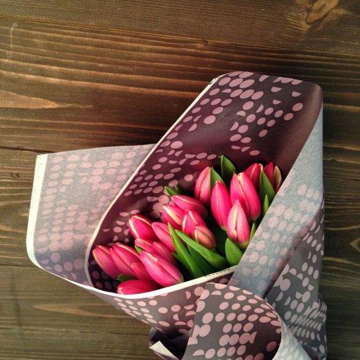 Букет из 19 розовых тюльпанов: букеты цветов на заказ Flowwow