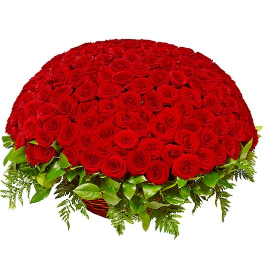 Большая корзина 201 роза: букеты цветов на заказ Flowwow