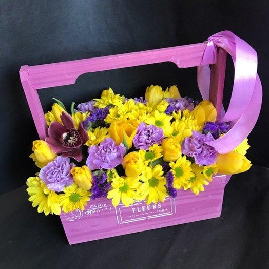 Цветочный чемоданчик: букеты цветов на заказ Flowwow