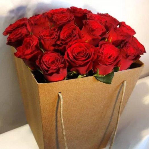 21 роз в коробке крафт: букеты цветов на заказ Flowwow