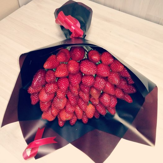 Ягодное чудо: букеты цветов на заказ Flowwow