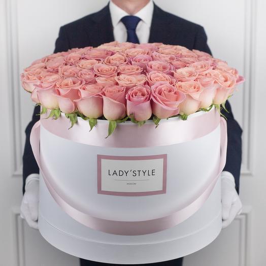 Эквадорские розы в шляпной коробке Grand: букеты цветов на заказ Flowwow