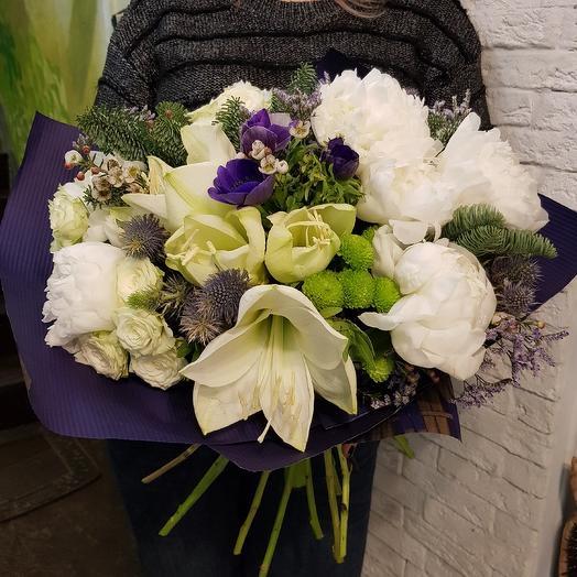 Белоснежный с пионами: букеты цветов на заказ Flowwow