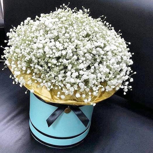 Шляпная коробка с гипсофилой: букеты цветов на заказ Flowwow