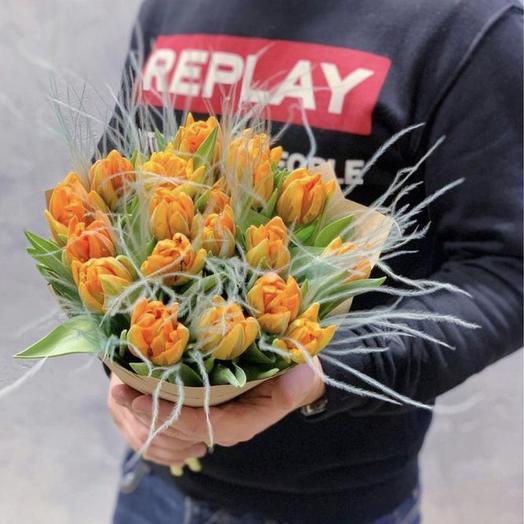 19 пионовидных тюльпанов с воздушной стифой: букеты цветов на заказ Flowwow