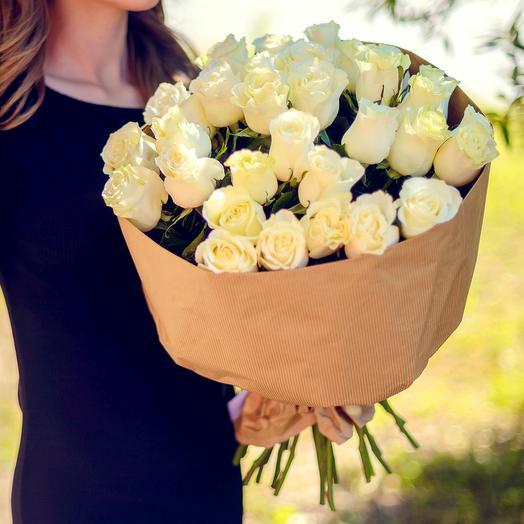 Букет из 35 белых роз (60см): букеты цветов на заказ Flowwow